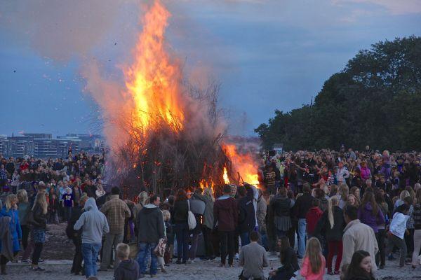 bonfire two