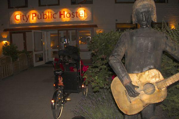 city public hostal