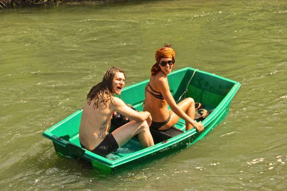 justin saisha boat float