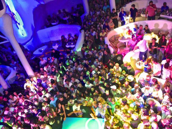 ibiza crowd