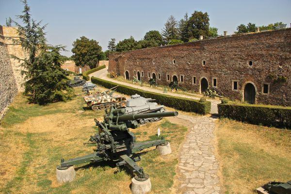 fort three
