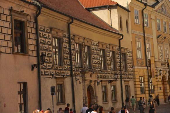 optical illusion building
