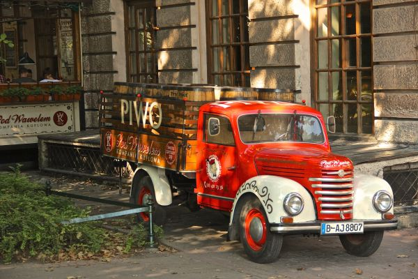 truck hotel