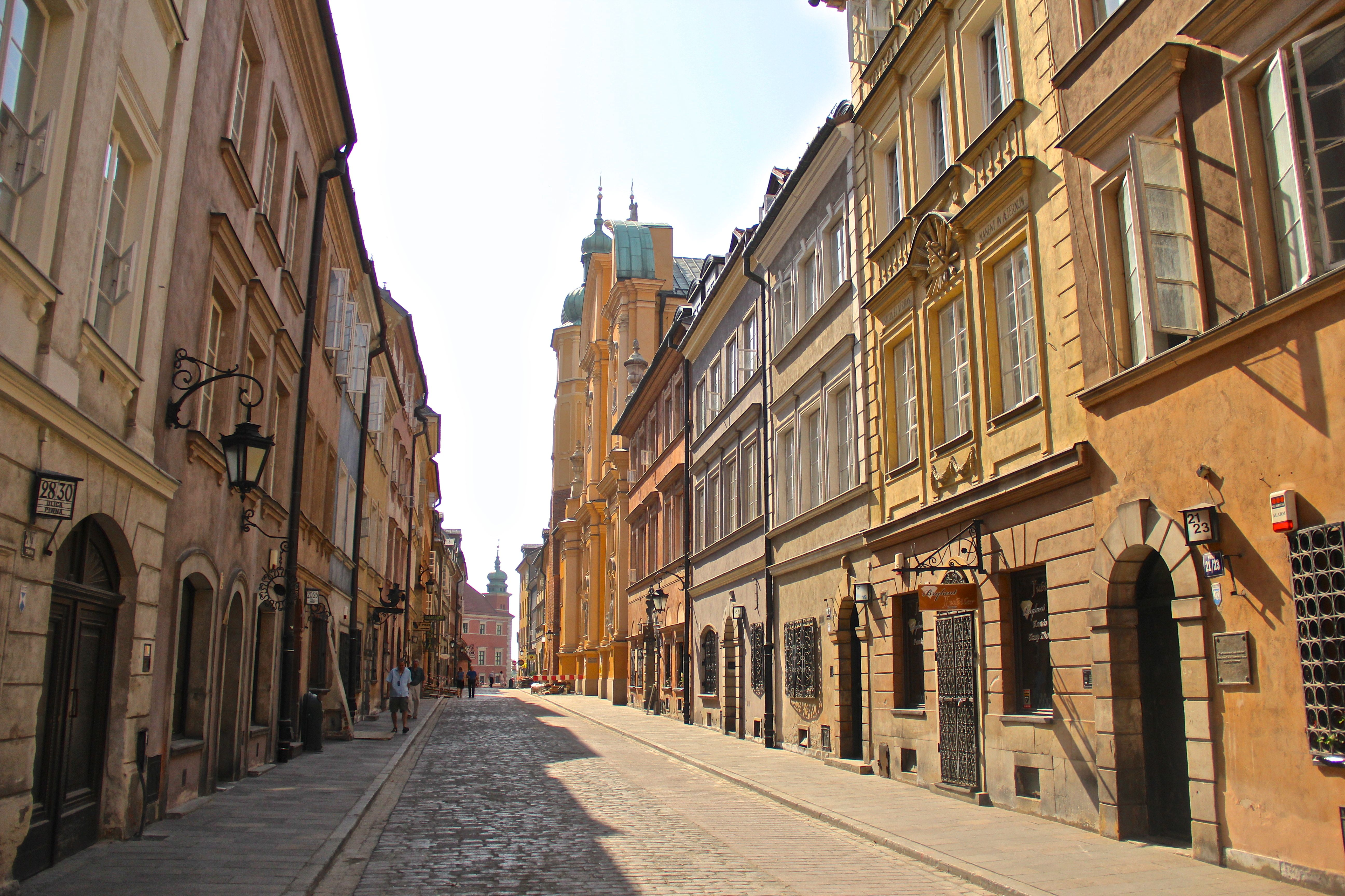 WaRsAw OLd tOwN  SWEENEY