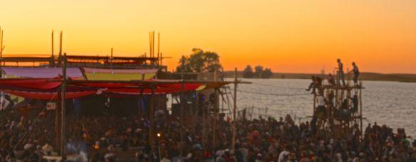 crowds sun2