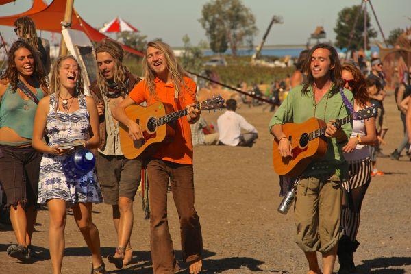 hippie group 2