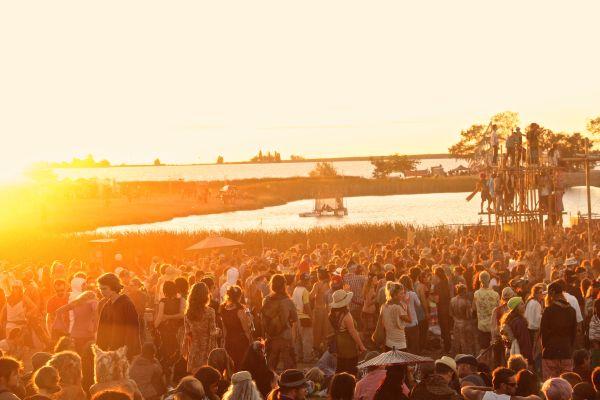 sunset crowd three