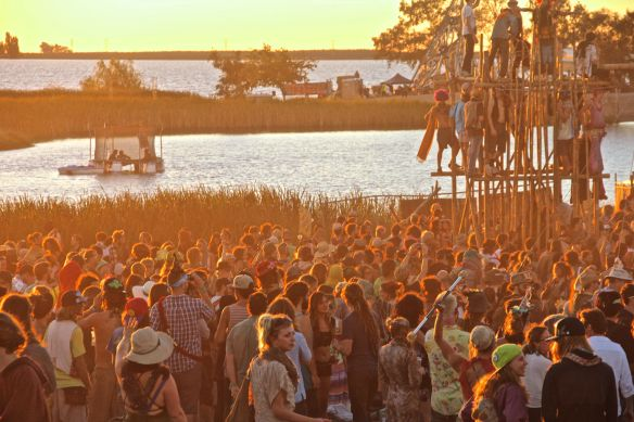 sunset crowd
